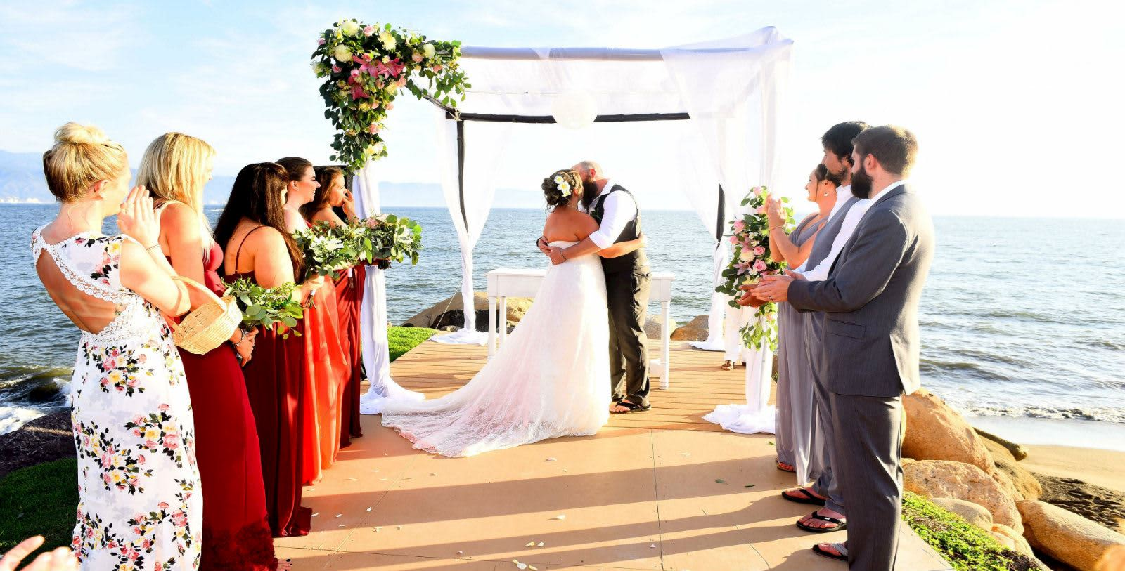 https---www.velasweddings.com-photogallery-large-homevelasvallarta-VV-BODA-2-1