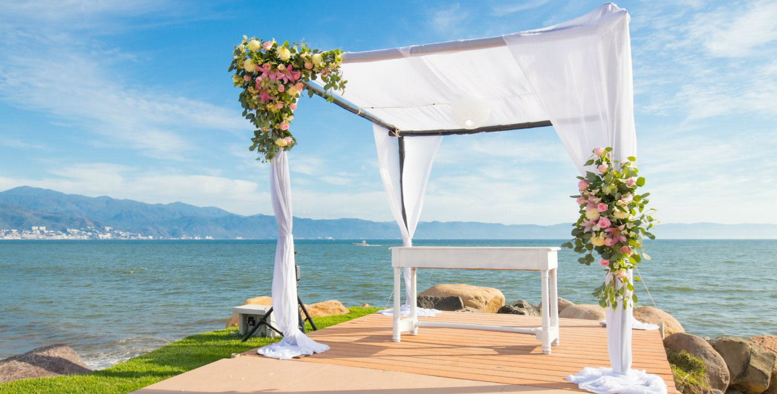 https---www.velasweddings.com-photogallery-large-homevelasvallarta-jetty-venue-vv-3
