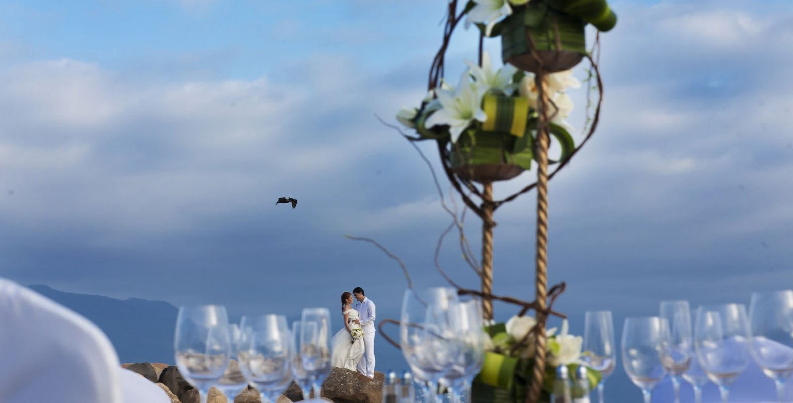 https---www.velasweddings.com-photogallery-large-homevelasvallarta-velas-vallarta8